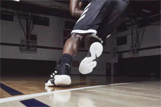 Adidas-Pro-Bounce-noir-2018-3.png